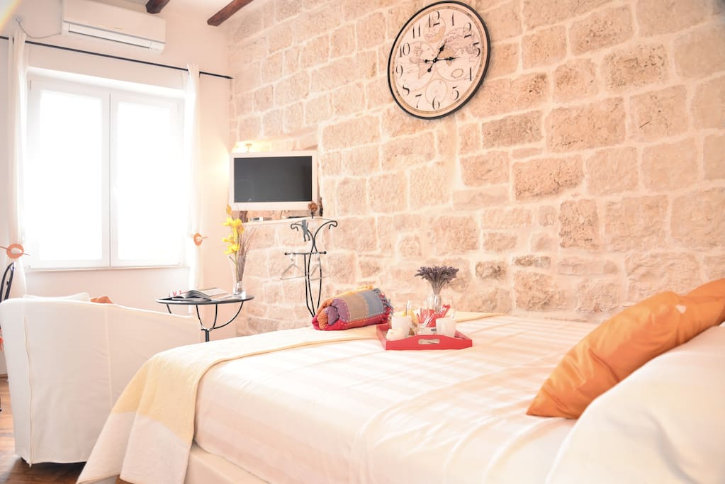 Apartment is equipped with: free wifi, lcd tv with satellite channels, air conditioning, etc...