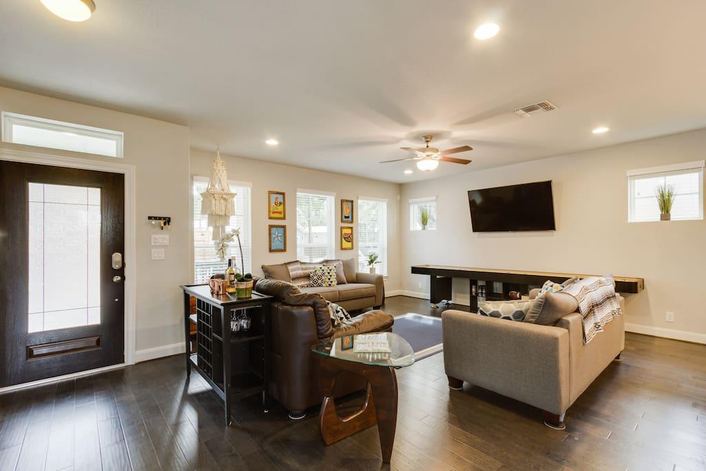 Downstairs Living, Shuffle board