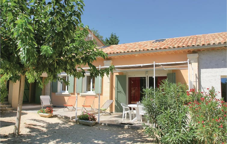 Semi-Detached with 2 bedrooms on 100m² in Roussillon