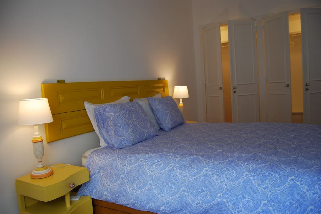 LARGE YELLOW DOUBLE ROOM