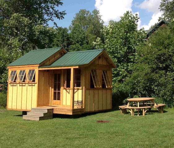 Family Mountain Cabin w/Views River - Newland