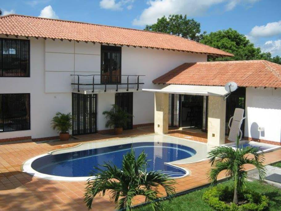 Caba a privada el madrigal con piscina casas de campo en for Casa de campo con piscina privada