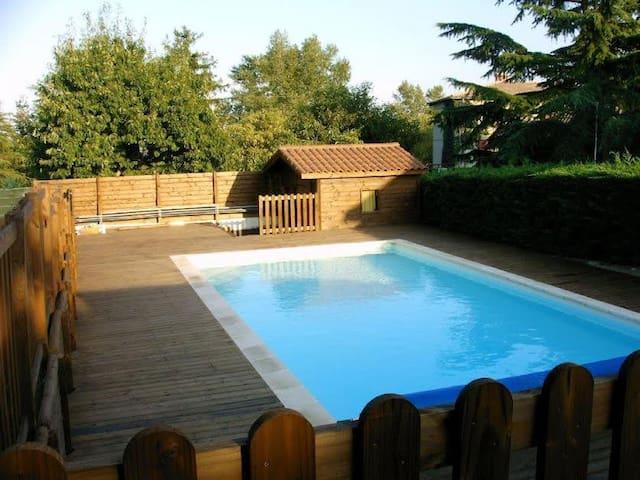 Grande maison familliale avec piscine - Orliénas - Dom
