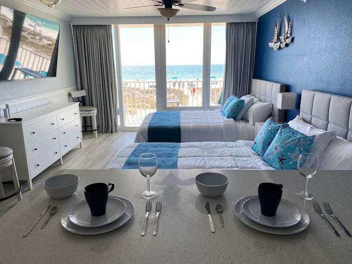 Oceanfront sunsets on your Treasure Island balcony