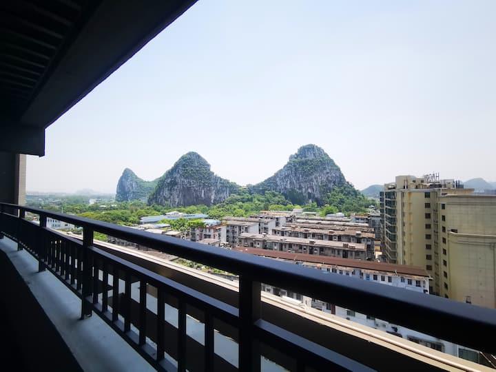 无边山景高级公寓顶层1房近桂林站两江四湖