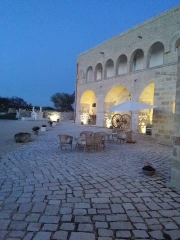 Masseria Conti Filo. Dimora storica dei Conti Filo - Altamura - Penzion (B&B)