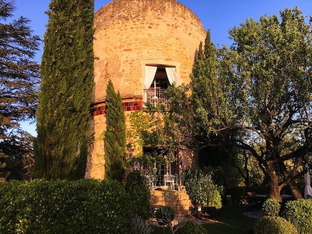 Turm aus dem 16. Jahrhundert - Lourmarin - Apartment