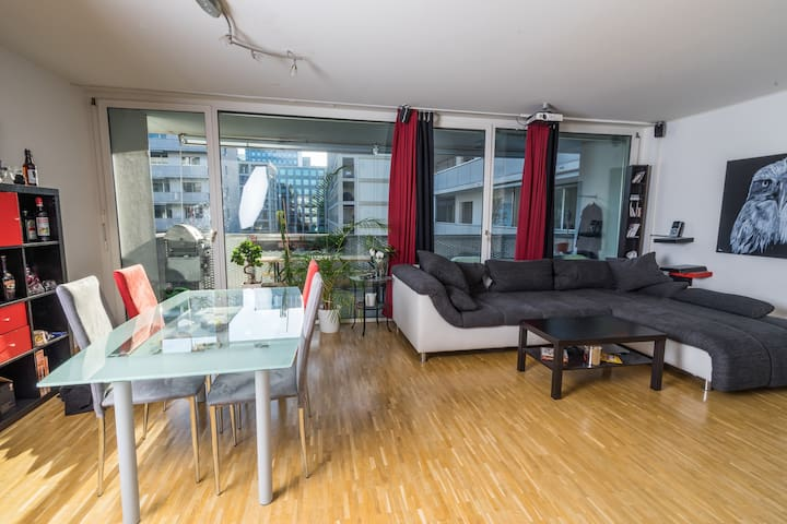 Nice flat near the Airport, Hallenstadion and TS - Zürich - Appartement