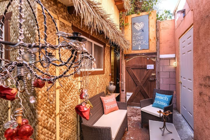 Tiki Love Shack @ Venice Beach ok short/Long stay