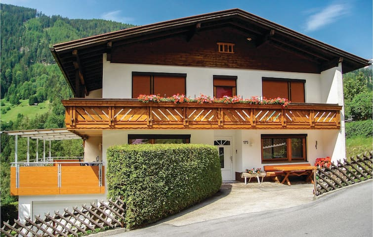 Holiday apartment with 2 bedrooms on 70 m² in Jerzens
