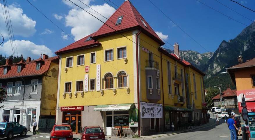 Hotel Marasesti - Bușteni
