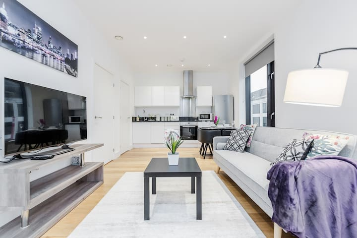Modern and stunning 1 bedroom Apartment