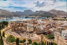 Vista aérea desde el jardín de los Patos del teatro Romano de Cartagena.  Visitala