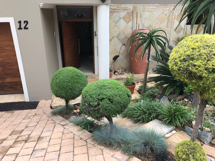 Private flatlet in a Trendy, sunny, secure estate.