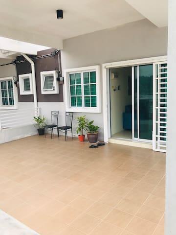 Homestay Jameela Tronoh Seri Iskandar UTP UITM