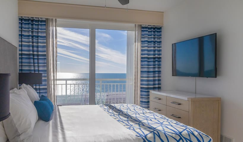 Relaxing 2 Bedroom Gulf Front Suite at Oceana