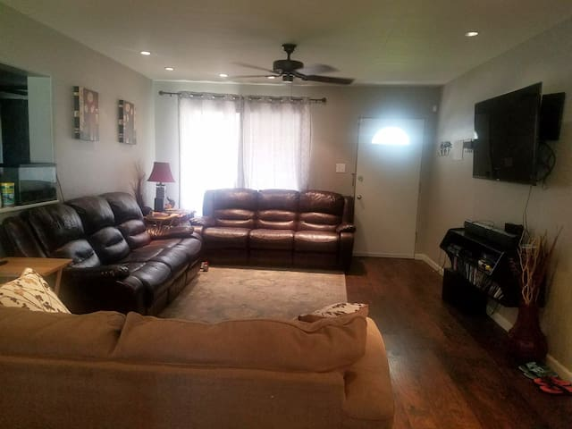 Family friendly House in North Phoenix