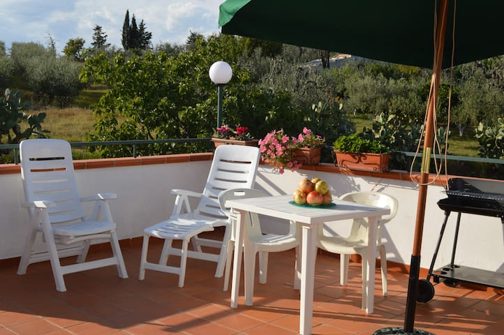 Alloggio B: Relax e comfort fra collina e mare - Pisticci - Casa de férias