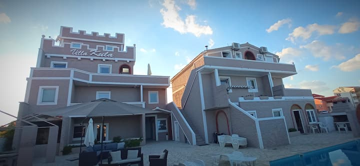 Studio apartment for 2 in luxury Villa Kula
