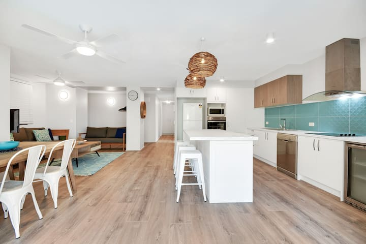 L - Mooloolaba Beachfront Family Friendly Apt!