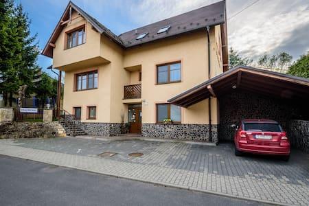 Vila Michal na skok od termálov - Liptovský Michal - Gjestehus