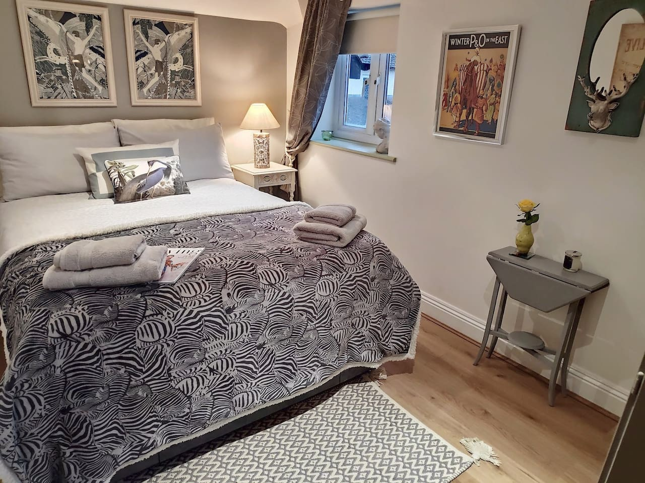 Cosy double guest room.