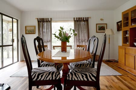 NZ's Organic Farm Private Cottage - inc Breakfast - Shelly Beach