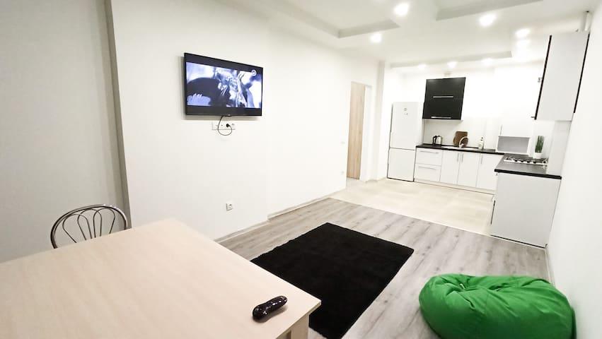 Светлая квартира в хорошем районе Львова
