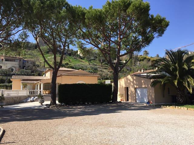 Studio indépendant St Paul de Vence - Saint-Paul-de-Vence - House