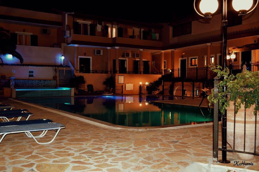 Arianna pool at night