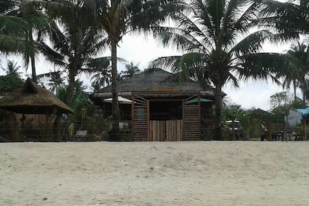 One bedroom for rent in beach house - San Vicente
