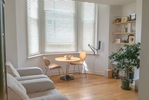 Self Contained 1 Bed Ground Floor Garden Flat