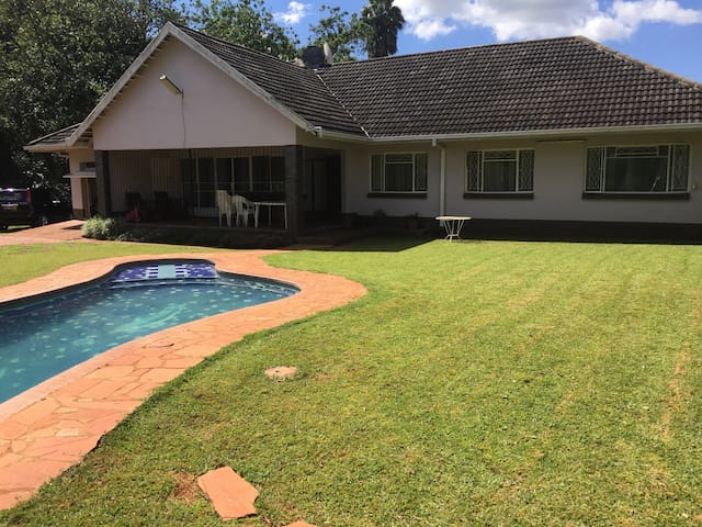 Kev's Place - Harare - House