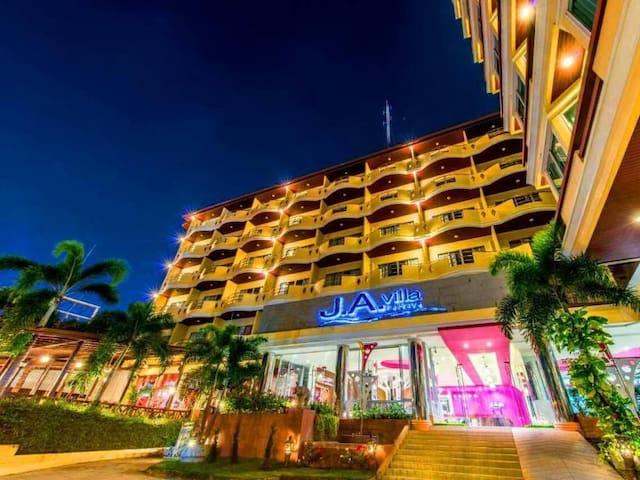 J.A.Villa Pattaya, service as hotel