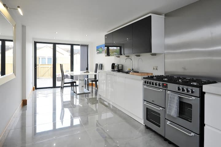 The 2nd Apartment