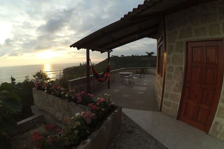 Beautiful Cabin 1 with sea view - Montañita - Bed & Breakfast