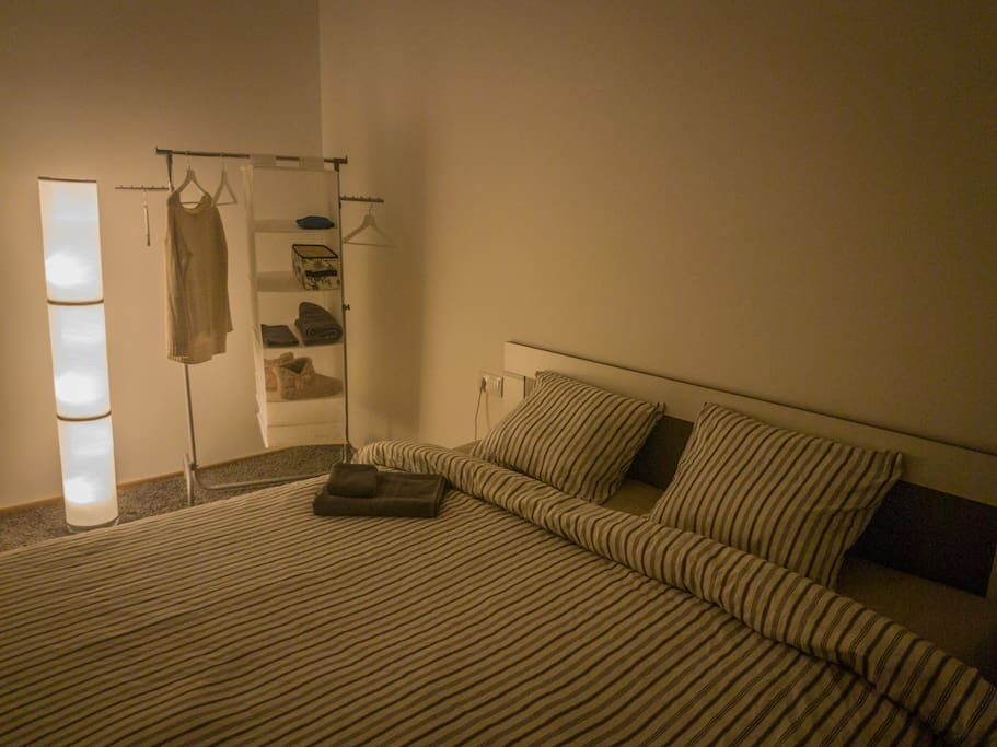 Bedroom with a 180cm wide bed