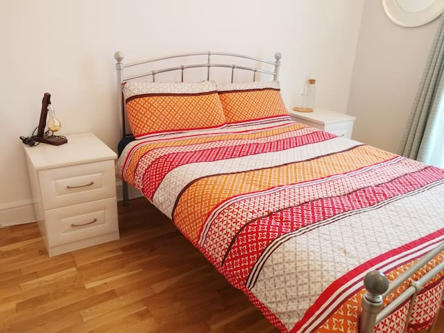 Big double room with private bathroom and patio