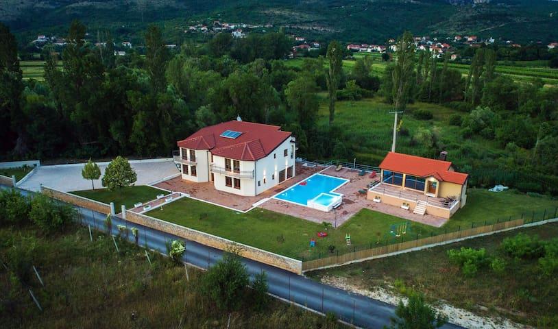 Villa Perinusa