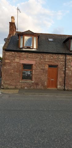 Dbl room, central Turriff, 2 min walk to showfield