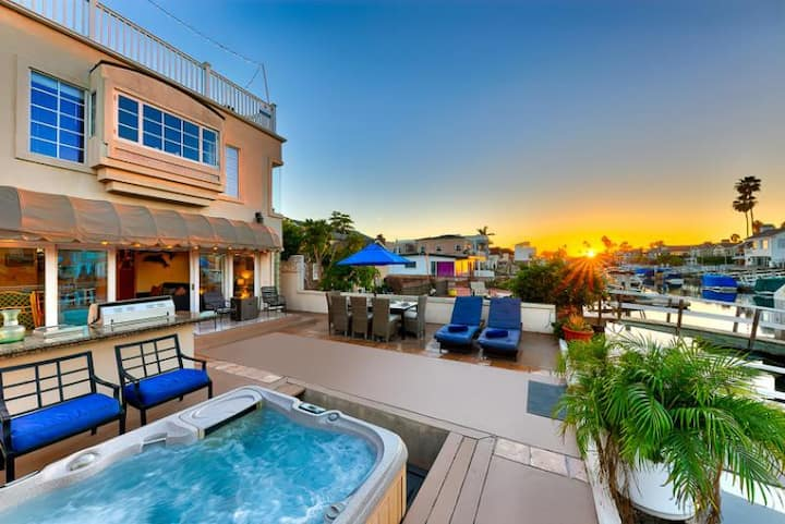 25% OFF THRU DEC! Stunning Channel Front Home w/ Private Spa + Duffy Boat!