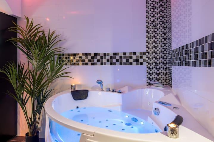 Appart Spa romantique jacuzzi,sauna