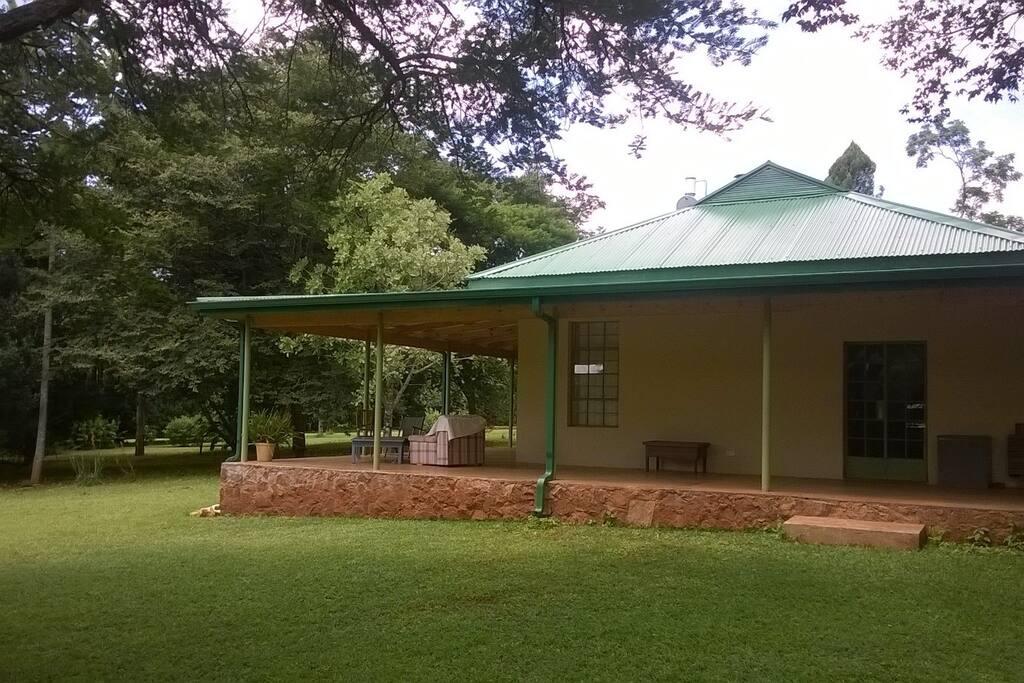 Wide verandah on two sides