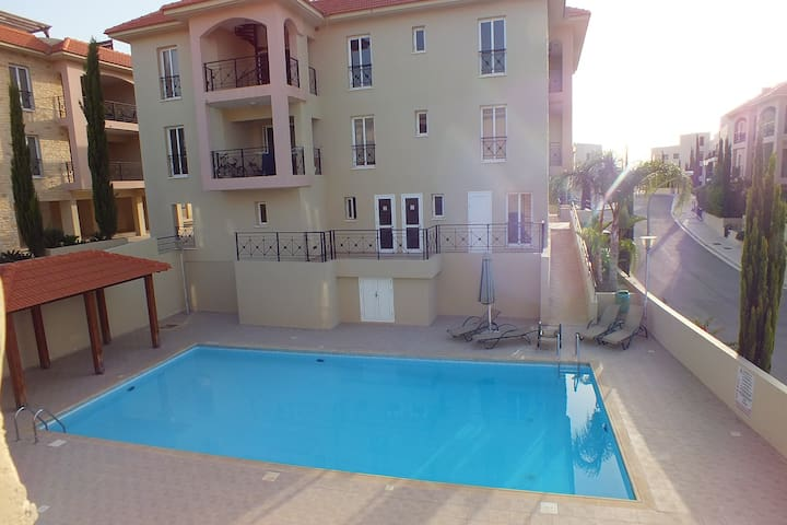 Apartmen. Pool - Mazotos - Apartment