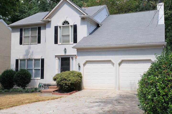 Private Female Bed Room in Duluth, GA