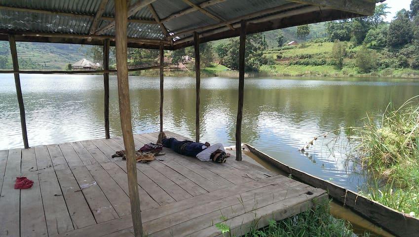 The FIG TREE Camp Site RETREAT - Lake Bunyonyi - Tent