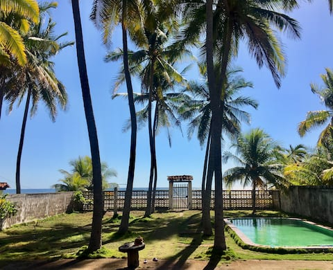 Hermosa casa de playa frente al mar