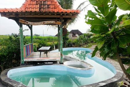 Janur Bungalow-Standard 1 - Borobudur - Bed & Breakfast