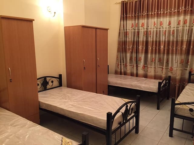 Clean bed space for monthly with super cheap price