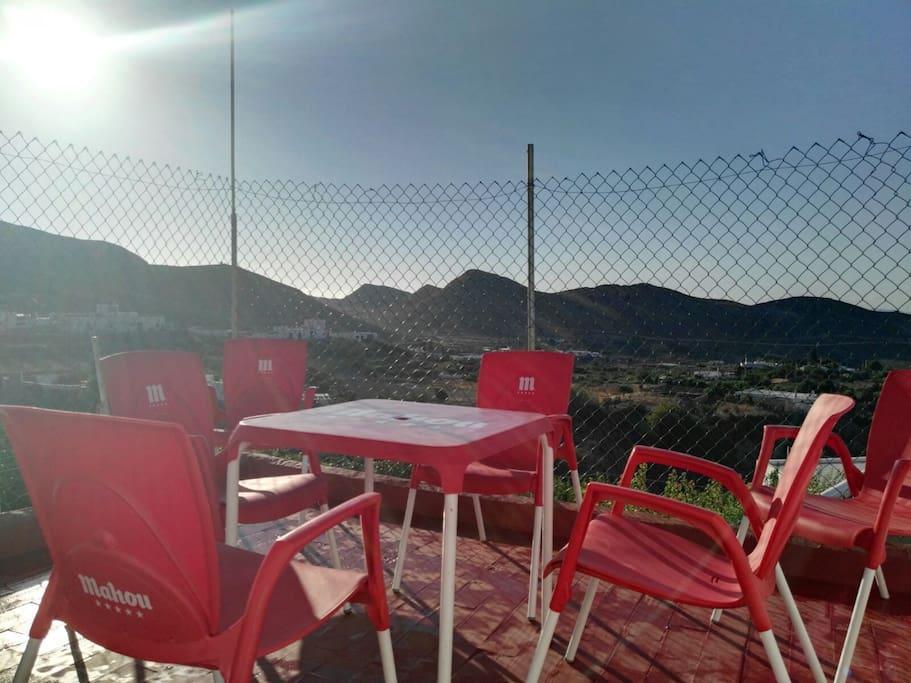 Gran terraza con vistas inigualables de todas las huertas de Nijar.